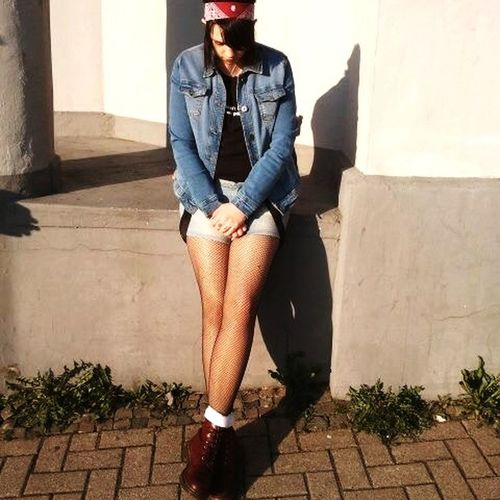 Still stand Boots N Jeans Gal💝 Boots Blue Skingirl Girl Lüdenscheid  Märkische Kreis One Person Architecture Casual Clothing Real People Built Structure Sunlight The Fashion Photographer - 2018 EyeEm Awards Fashion Lifestyles Shadow Outdoors The Still Life Photographer - 2018 EyeEm Awards