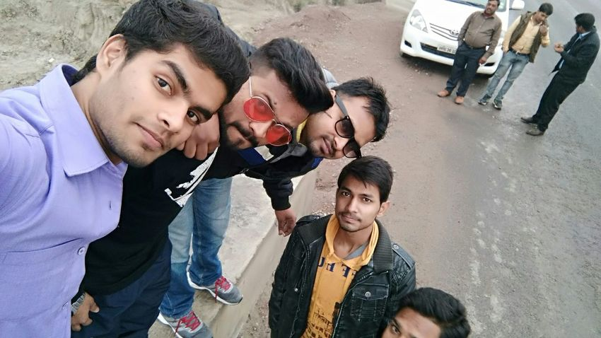 Hi! GoodMorning⛅ Freindz Groupfie Happyday♥ Lucknow Nawaboflucknow