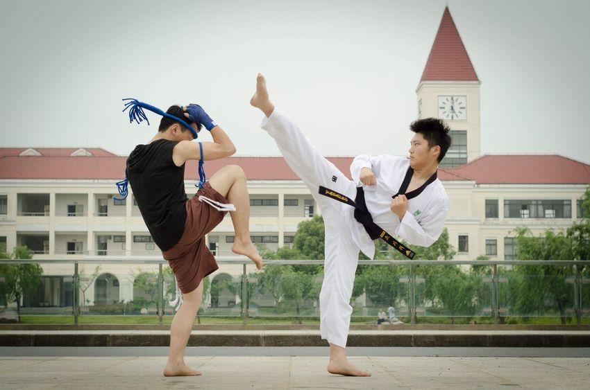 Muai Thai VS Taekwondo