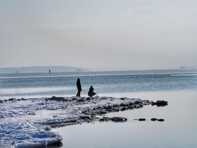 Winter Winter Nature Day Iced Water Cold Weather Cold Temperature Snow Covered Watching The Sea Turku In Finland Sea Beach Silhouette Horizon Over Water People One Person Sky Water Adult Outdoors Adults Only Standing Full Length Day Beauty In Nature Nature