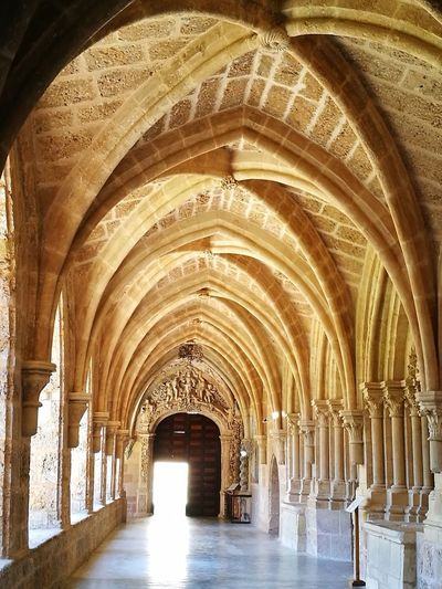 Arch Indoors  Architecture The Way Forward Ceiling Built Structure Architectural Column No People Day Monasterio De Piedra