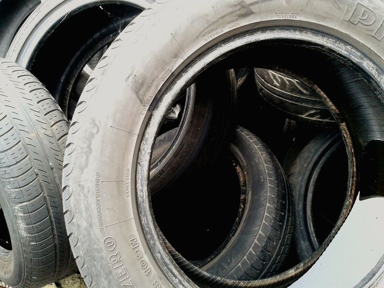 Downtherabbithole Circles Tread Burning Rubber Hello World Vehicals Scrapyard Taking Photos Taking Photos Abstractions