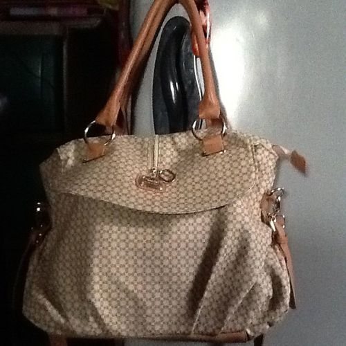 Got a new bag as well yesterday in my shopping therapy... Satisfiedheart