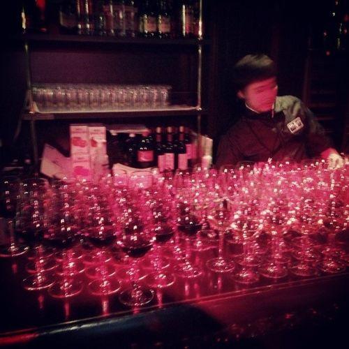 ワイン飲み放題 やっと週末だぜー 気にしないで深く飲める♥ 最近はカフェのDJプレイがすーきー 六本木 六本木ヒルズ 麻布十番 麻布 partyクラブカフェ そいえばこんなに長く彼女がいないの初めてだぁ やっぱり慣れるものなんだね~