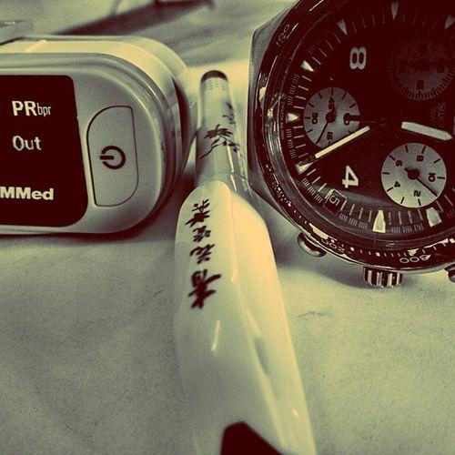 Pulseoxim, China pen and swatch @opd Jipmer Medicine Lungs Swatch Swatchoftheday Pulseoximeter Oxygen OPD Medicalschoollife Timepass Follow4follow