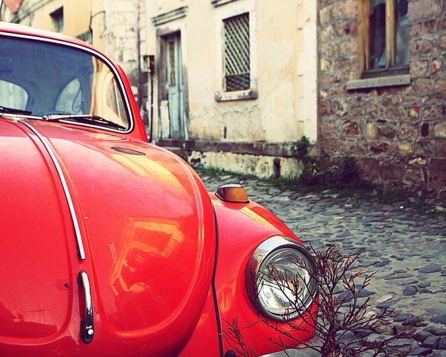 VW Beetle Pavedstreet Paved Road Pavedstreets Reflection Reflection_collection Reflection On Car Reflection On The Hood Hood Car Hood Cunda Island Cunda Turkey Türkiye Showcase March MeinAutomoment