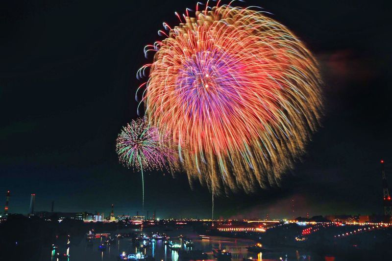 Night Firework Display Arts Culture And Entertainment Celebration Exploding Firework - Man Made Object Multi Colored Illuminated Long Exposure Low Angle View Motion Sky Event Blurred Motion Firework Outdoors No People EyeEmNewHere Event 戸田橋花火 River Reflections In The Water