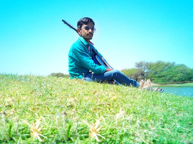 Relaxing Taking Photos Enjoying Lifeguitar Ahmedabad India Friends