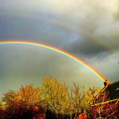 Rainbow in Northamptonshire Rainbow Weather Rain Sun Weatherchannel Colours Houses Northamptonshire Northants Northampton