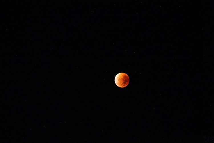 Montag war Mondtag   Blutmond Mondfinsternis Blutmond2015 Mondfinsternis2015 Lunar Eclipse Lunareclipse Lunareclipse2015 Sony A6000 Sonyimages Wiesbaden