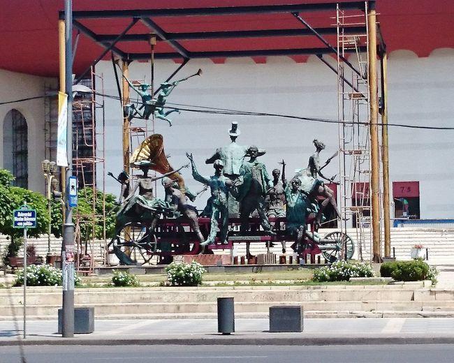 Sculpture Statue Architecture Built Structure Building Exterior Street Art Sculpted Human Representation