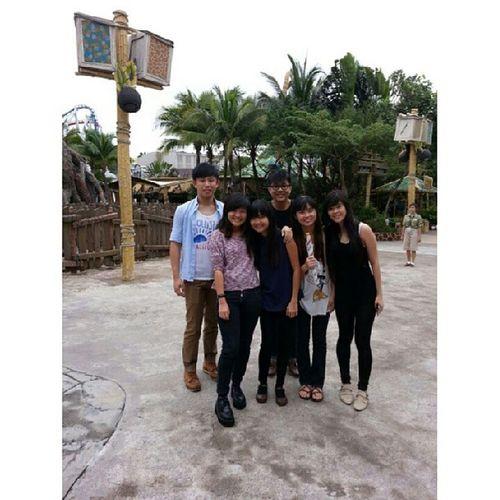 USS During Breaktime HAHAHA @triciazayn @zhangmeiting @sinyeemidori @aaaaamos Aloysius and also Xinyi Vanessa