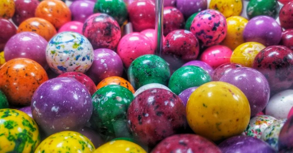 jawbreaker candy Everlastinggobstopper Jawbreakers Jawbreaker Kidagain Candy Machine Amateurphotography Vintage Vintage Style Quartermachine Colorful Colored Pencil Painted Prayer Flag Fairy Lights Candy Marbles Botanical Candy Heart Talcum Powder Candy Cane Lollipop Gelatin Dessert Sweet Candy Store LINE Glitter Macaroon Bauble For Sale Repetition
