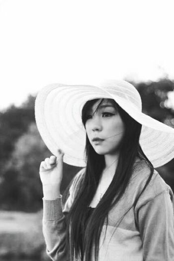 One Woman Only Only Women Young Adult Hat Portrait Young Women Casual Clothing Outdoors Standing Bw_portraits BW Collection Blackandwhiteandcolor Blackandwhitephotography Mangroveforest Mystories Story Behind The Picture Eyeemphotography Sun Hat Photography Photosession Long Hair Mangrove Area Photoshoot Photography