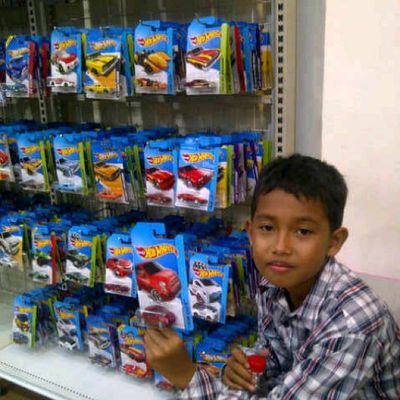 Cari Hw terussss HotWheels Hobby HW Hwloose Hotweelscollection Hotwheelscollections Hotwheelsindonesian Hotwheelsindonesian Scale164 Diecast Shop Store ToyCar Fiat500 Mbx Instacollection Instacollectin Instacar Instacars Holiday Cadillac Followme Follow Planettoys