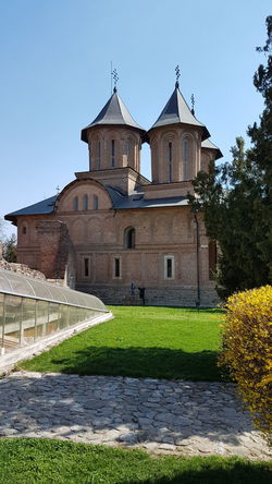Vlad Țepeș (Dracula) History Architecture Church Politics And Government History Religion King - Royal Person Façade Sky Architecture Building Exterior Built Structure Grass Ancient Ancient History The Past Old Ruin
