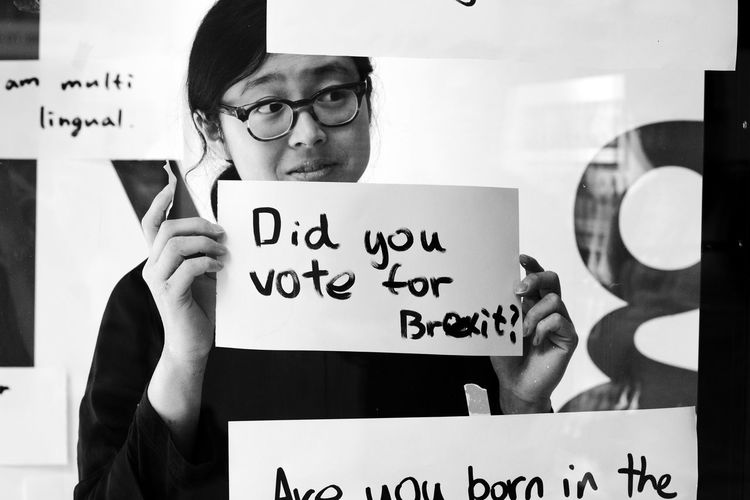 Did You? Performance Art Central St Martins 35mmstreetphotography Streetlifeworldwide Thestreetphotographyhub Streetphotographymagazine Street Photography Streetphoto_bw Malephotographerofthemonth LONDON❤ Life_is_street Student Text Handwriting  Written The Street Photographer - 2018 EyeEm Awards