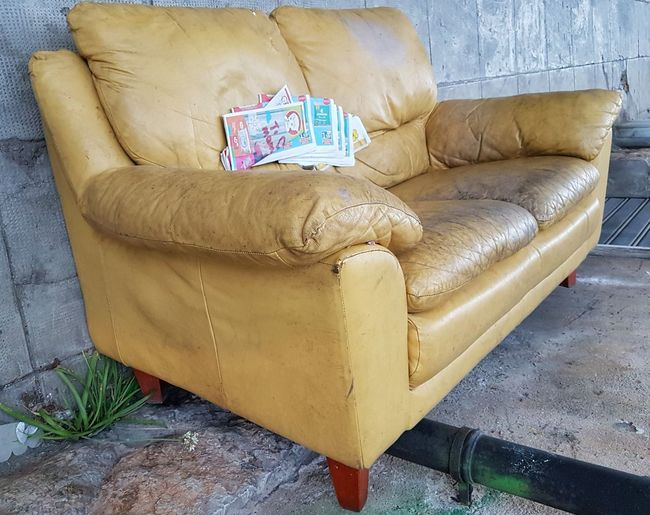 Giallo A Palermo Tutti I Particolari In Cronaca Presumed Reality Yellow Couch Street Junk The Street Photographer - 2017 EyeEm Awards