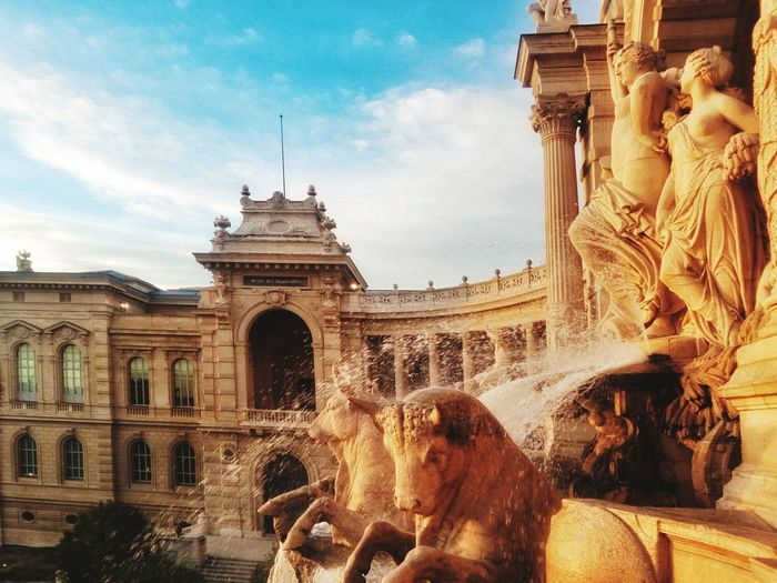 Architecture Travel Destinations Built Structure History Travel Building Exterior Statue Sky Cloud - Sky Outdoors Sculpture Architectural Column Elephant No People Day City Marseille, France Marseille EyeEm Best Shots Fontaine Autumn In The City EyeEmBestPics Monuments Fountain_collection Fountains
