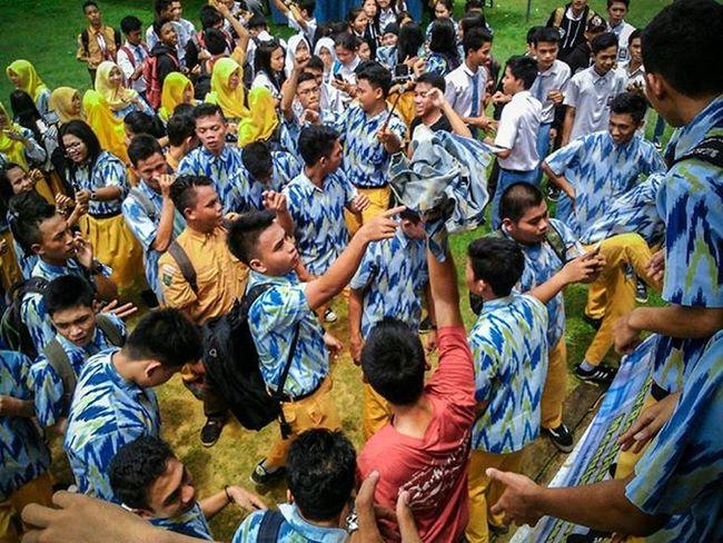 Our unity... @smandupts Dj Piano Rave Dubstep Party INDONESIA Smanduputussibau Like4like Tumblr Follow4follow Instalike Hard Drop Bass Day Perpisahan Photography Photooftheday People Instamood School