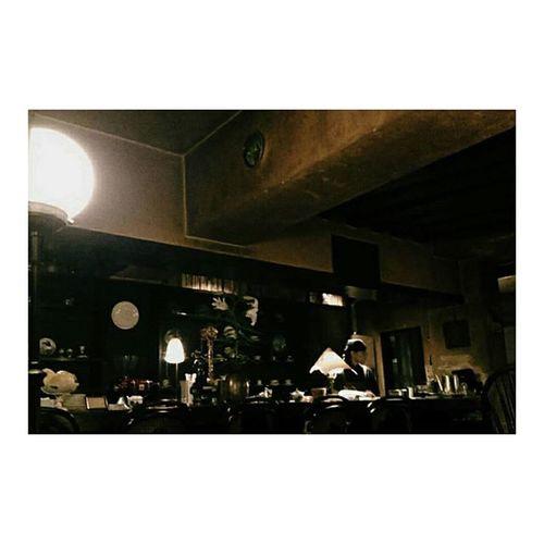 一時帰国中のゆきと下北沢 ぶらり。 アボカドにレトロな喫茶店に尽きない話👩👩 お互い韓国とベトナムで頑張りませう💪💪 . 出会った時は16歳 もうすぐ21 なんてこった 時よ止まれ Shimokitazawa Tokyo Japan Cafe