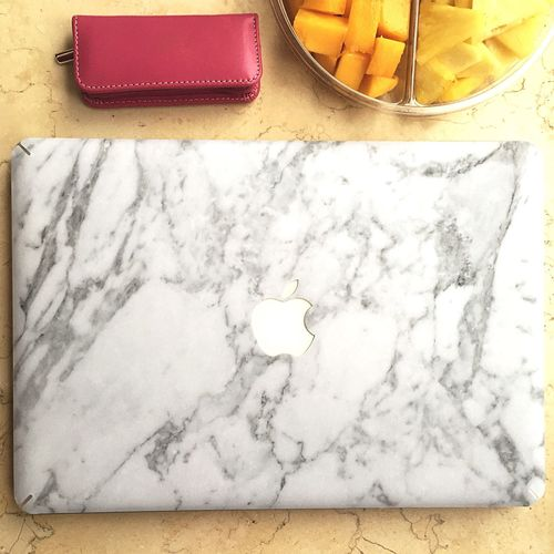 Marble sticker Apple