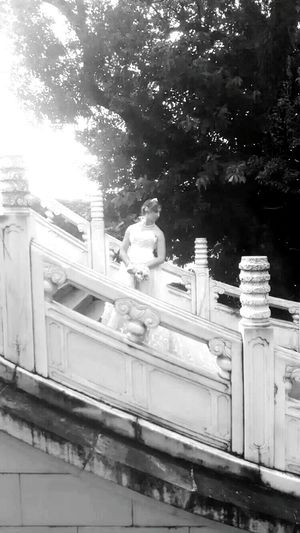 Only Women THe Foreign Bride I Met In Guilin.