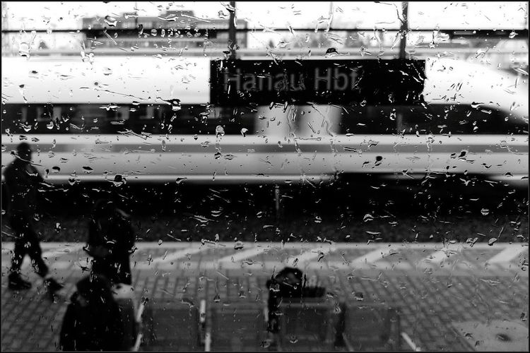 Verregnet... Black And White Friday Bw_collection EyeEm Deutschland EyeEm Selects Streamzoofamily Focus On Foreground Rain Day Smartphonephotography HTC One M9 Raindrops On My Window