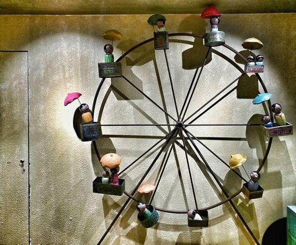 Meri Go Round! . . . . . _soi Streetsofindia _hoi Mysimpleclick Trelltalemumbai _soimumbai Somumbai Mymumbai Mumbai Indiashutterbugs Street Mumbaibizarre Mumbaihappening Mumbai_uncensored Indianphotography Indiatravelgram India_clicks Ig_india _indiasb Mypixeldiary Ig_Mumbai Ig_worldclub Igersdaily Indiantravelsquad Indiantraveller restaurant gujarat food