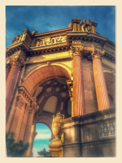 Architecture Arch Triumphal Arch History Low Angle View Built Structure Sky Monument Outdoors Building Exterior Travel Destinations No People Day EyeEmNewHere