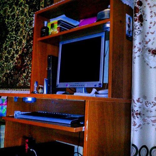 компьютер комп монитор клавиатура desktop computer computers monitor table home