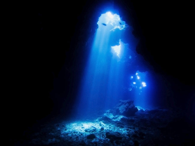 Diving Fun Hawaii SCUBA Sunlight Travel Adventure Beams Of Light Beauty In Nature Blue Boat Dive Cathedrals  Cave Discovery Illuminated Joy Lava Cave Nature No People UnderSea Underwater Water