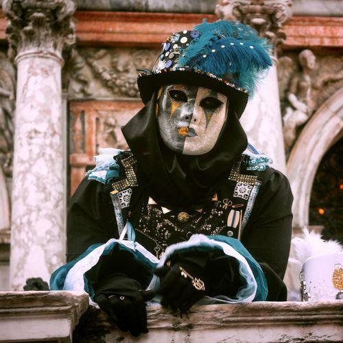 Sabato di carnevale venezia 06/02/2016 Carnevale Di Venezia Venice Venezia Mask Maschera Piumeovunque Photo Photooftheday NX2000 Mirrorless Campanile Sanmarco Sabato  Carnival Masquerade