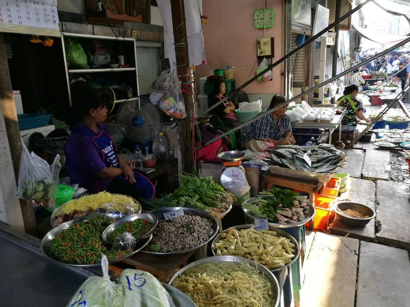 Market Women Small Business Outdoors Fruits And Vegetables For Sale Thailandtravel Fresh Fruits Freshvegetables