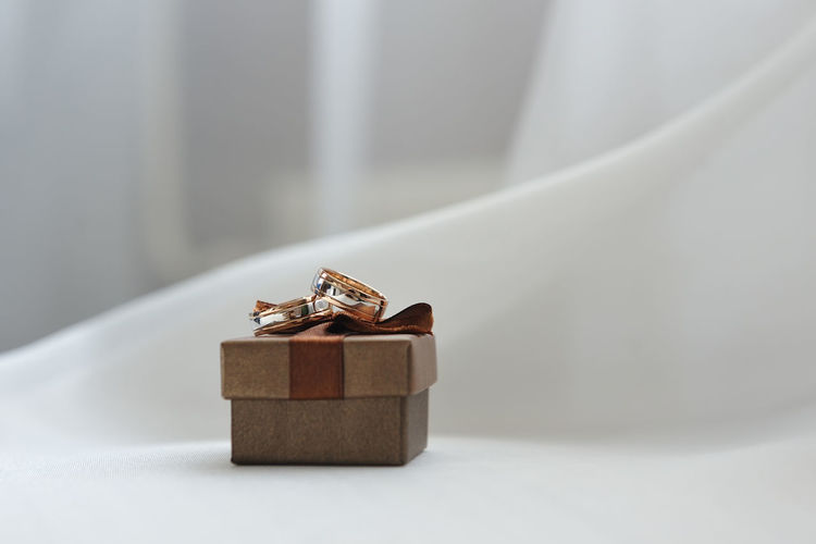Love Romance Wedding Box Box - Container Celebration Close-up Container Diamond - Gemstone Event Gift Gold Colored Jewellery Jewelry Luxury Marriage  Ring Rings Single Object Still Life Surprise Wedding Ceremony