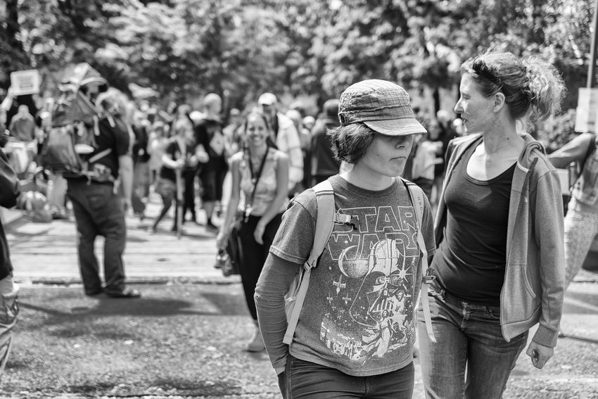 Blackandwhite Candid Park Peoplewatching Streetphotography Streetportrait Sunlight Women