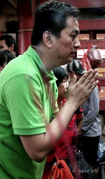 Hello World Taking Photo Buddhist Temple Culture Traditional Culture Singkawangcity INDONESIA Capgomeh 2015 Prayer