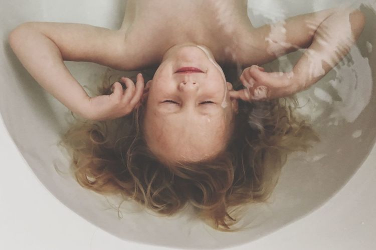 Water Girl Underwater Eyes Closed  Meditation Quiet Moments Quiet Peaceful Child California United States Eyeemphoto Enjoy The New Normal