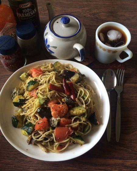 お昼ごはん作って食べた♫美味しかった。お家でパスタ、野菜入れ過ぎペペロンチーノおいしかった。 Cafe feCoffee eDelicious sSpaghetti iPasta aPeperoncino oカフェ ェパスタ タスパゲッティ ィCafe Time eCoffee eランチ チLunch h