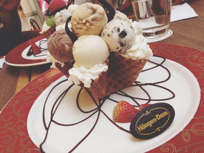 Haagen Dazs Ice Cream Enjoy Eating Happy