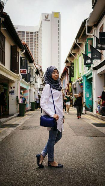 Hanging Out Rx1r Hijab Love Sony Potrait_photography Potrait Of Woman Woman Portrait Photography Hijabbeauty Singapore Followme Hajilane