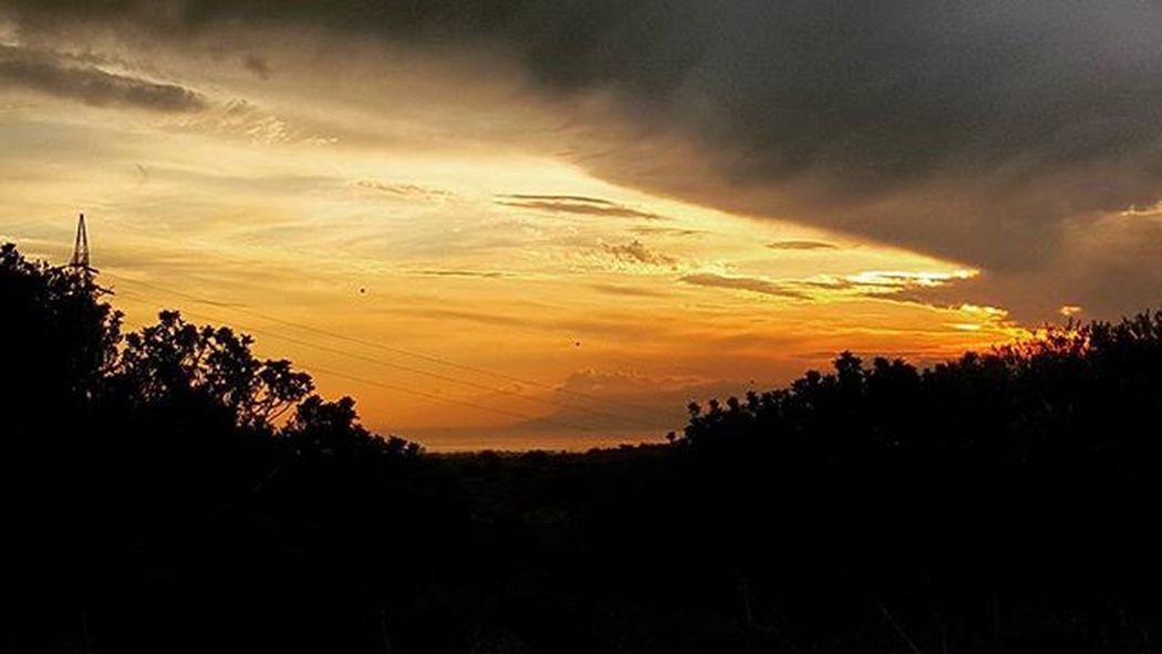 Country side. Sardinia Sardiniaexperience Sea Horizon Nature Naturelover Sunset Clouds Instapic Bestshots Instamood