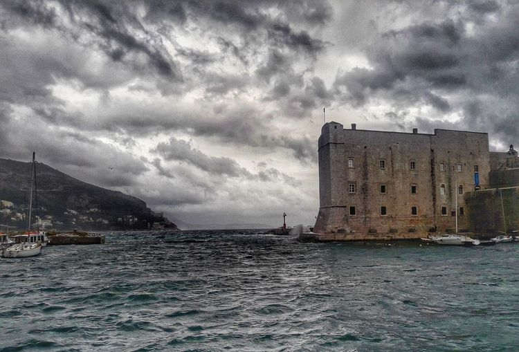 Architecture Built Structure Cloud - Sky Water Storm Cloud Sky Building Exterior Outdoors Skyscraper Cityscape Urban Skyline City Dubrovnik, Croatia Dubrovnik Citywalls Port Panoramic Photography Sirocco Sirocco Wind Cloudporn Cloud_collection  Clouds And Sky Adriatic Sea Photography Photographylovers