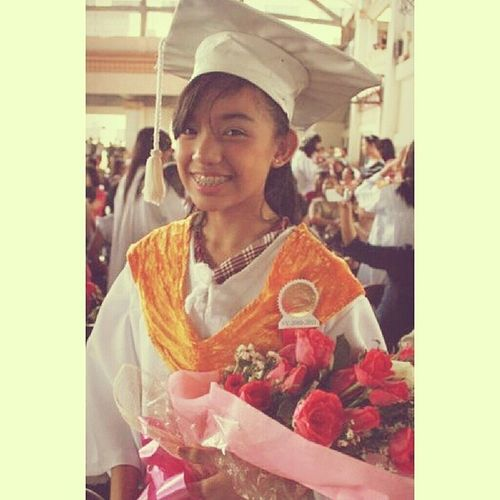6th Grade Graduation. :)) Nene Throwback JameDays Stjames Graduation Roses Braces Mehehe