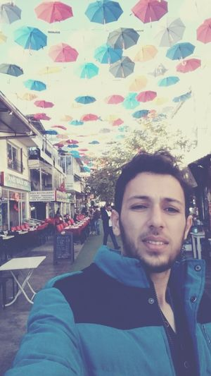 i really miss Turkish streets ☺😔😿📷 Semsiyelisokak Sokakfotografi That's Me Hanging Out The Human Condition Faces Of EyeEm People Photography Happypeople Self Portrait Turkey