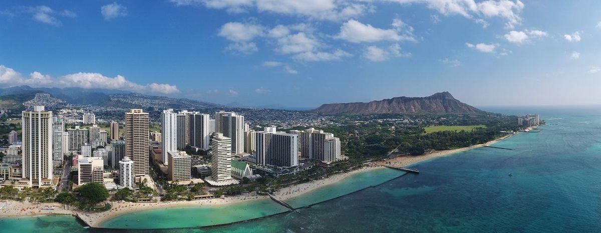 Waikiki and Diamond Head on the island of Oahu. Hawaii Oahu Oahu, Hawaii Diamondhead Waikiki Paradise Honolulu  Honolulu, Hawaii