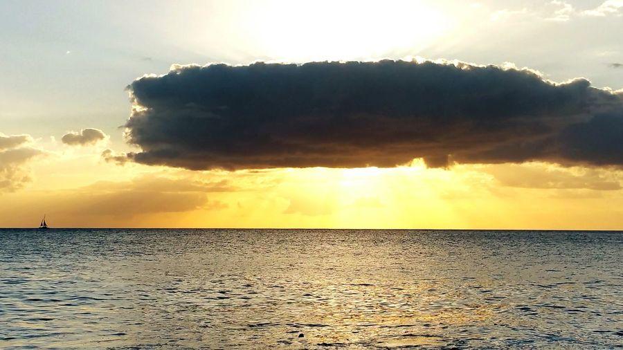 Island Sunset. Sunset Beach Photography Outdoors Nature Clouds Sky Sunsrays Hawaii Ocean Sea