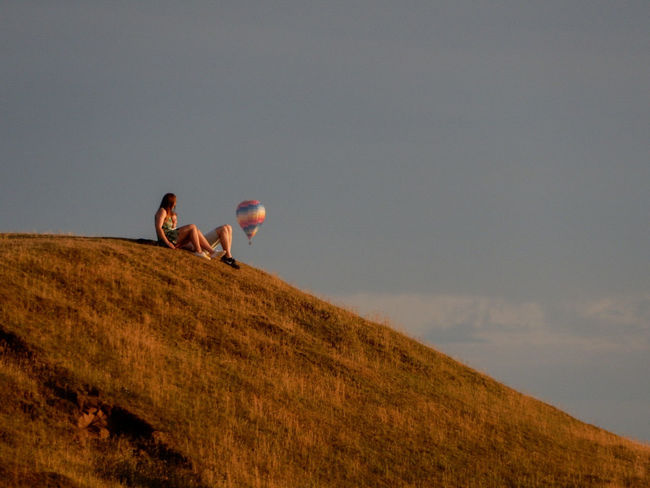 Two People Agriculture Nature Togetherness Adult Sky Rural Scene Outdoors People Day Grass Landscape Nikonphotography Scenics Beauty In Nature Hot Air Balloon