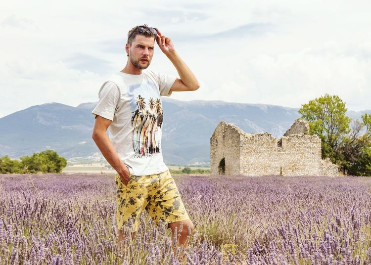 EyeEm Selects One Man Only Only Men One Person Adults Only Adult People Day Sky Outdoors Cloud - Sky Beard Summer Men Standing Rural Scene Nature Blond Hair Young Adult Beauty In Nature Standing Valensole Lavenderflower Lavender Colored Portrait