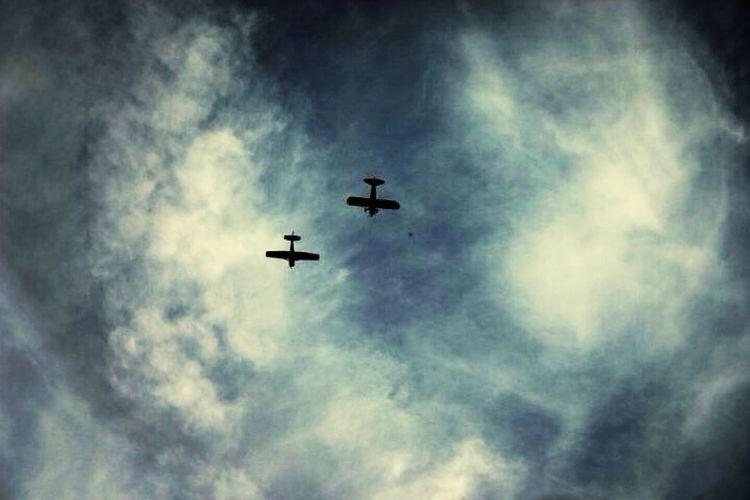 Planes in the Kansas sky. Kansas Air Capital Photography Aircraft
